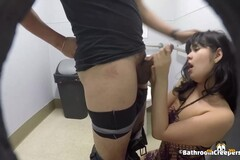 Slutty brunette was caught on tape while she was having casual sex in the toilet Thumb