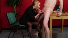 Fullyclothed CFNM amateur rimming lucky guy Thumb