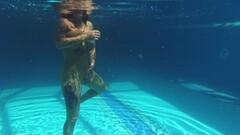 Naked Heidi Van Horny with huge tits underwater Thumb