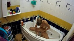 Hot girl spied in the bathroom Thumb