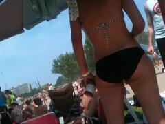 2 bikini friends at the beach candid Thumb