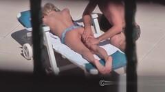 Blondie fickt den Pool Reinger Thumb