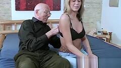 Sex Opa will die Enkelin ficken Thumb