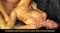 Brunette mature fucked in shaved muff Thumb